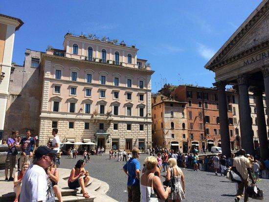 Albergo del Senato: view from the Piazza, best location