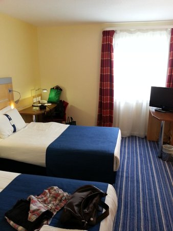 Holiday Inn Express London Croydon: Twin Bedroom 913