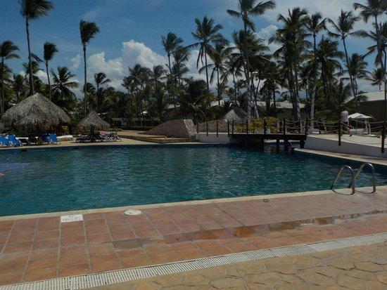 Sirenis Punta Cana Resort Casino & Aquagames : Piscina