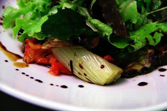 Restaurant Valentin: Schmorgemüse Salat