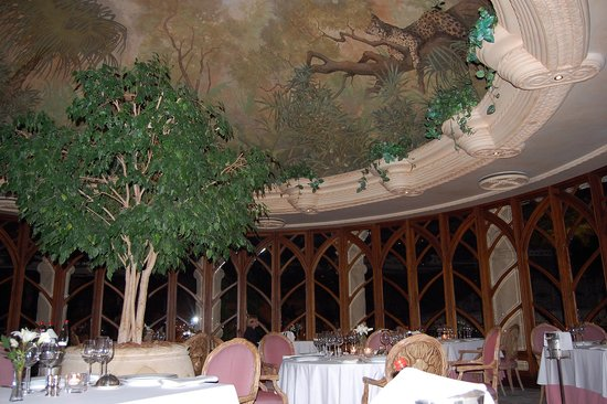 The Palace of the Lost City: dinning