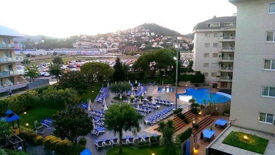 Hotel Indalo Park: Вид с номера на гору Санта-Сусана