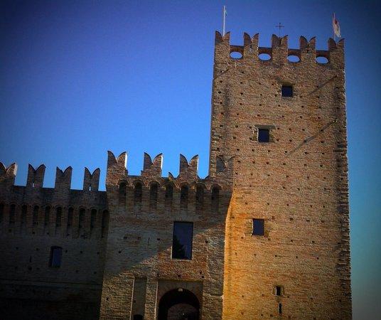 Castello della Rancia : Bello e imponente