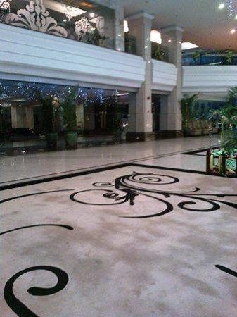 Promenade Hotel: Lobby
