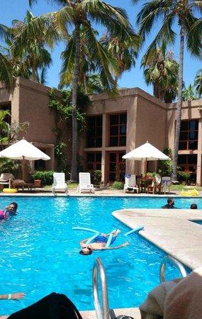 Villas El Rancho Green Resort: Alberca limpia y de buen tamaño
