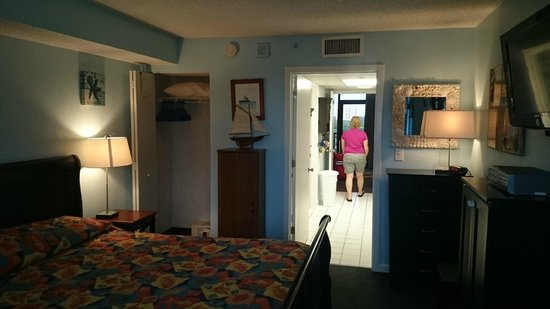 Grande Shores Ocean Resort: View from the door