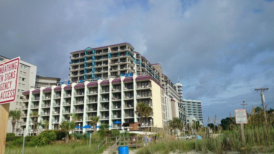 Grande Shores Ocean Resort: View from the beach