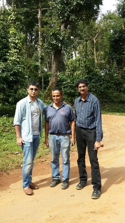 Comfort Homestay- Spice Garden: Me Chengappa and Navin after the rafting trip at Coorg White water Rafting