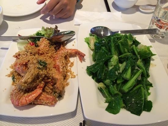 Jumbo Seafood : Oatmeal prawn and vegetable