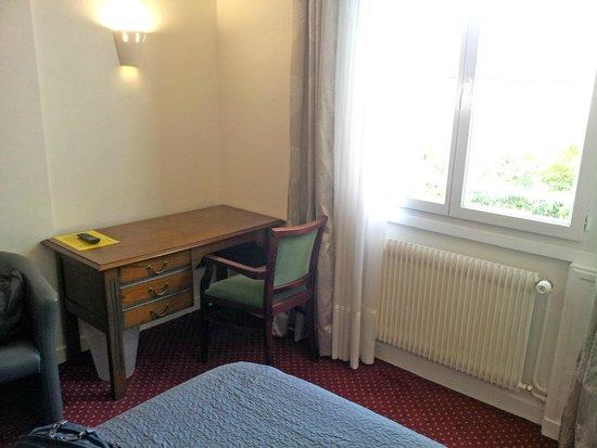 Hotel Victor Hugo : Escritorio