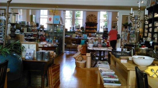 Thomas Tosh: Inside Tosh Cafe