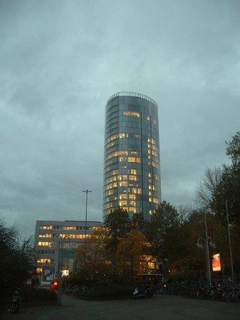 KölnTriangle: Gebäude