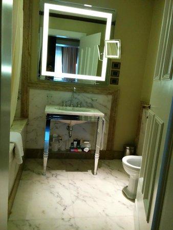 Hotel L'Orologio : Bathroom
