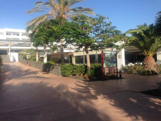 Hotel Costa Calero: Lunchtime Restaurant