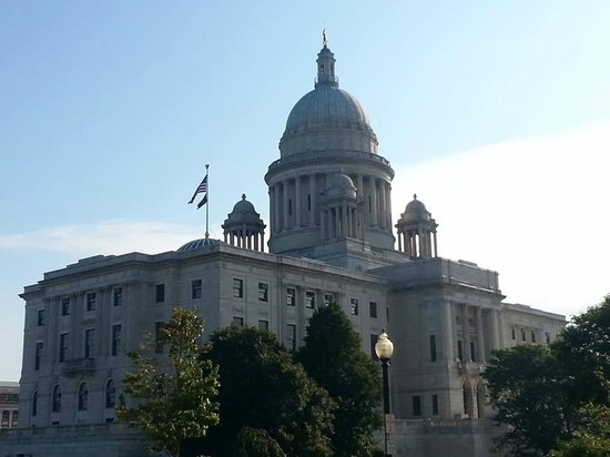 Renaissance Providence Downtown Hotel: The Rhode Island Capitol - Right Across the Street