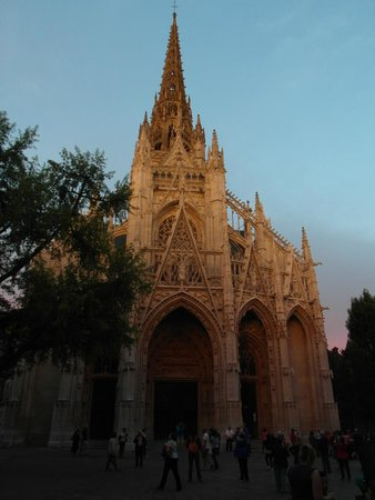 Église Saint-Maclou : La facciata al tramonto