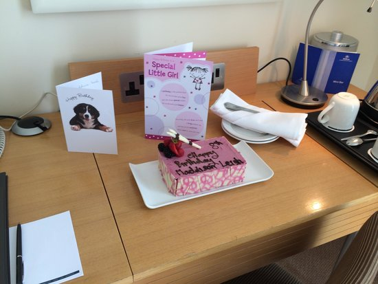 Hilton London Gatwick south terminal: Birthday Surprise