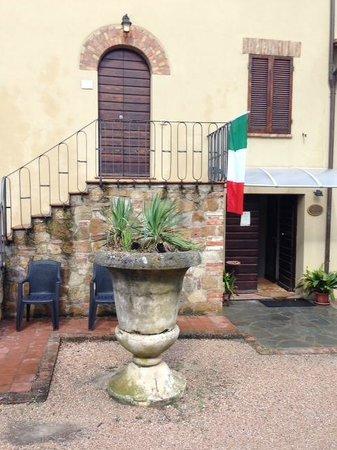 Ved indgang til Palazzo Bandino