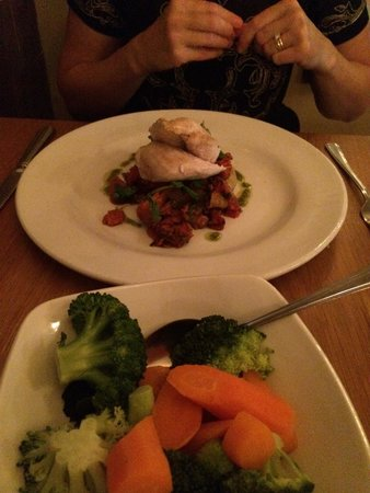 The Waterside Restaurant Bar & Terrace: Chicken chorizo and crunchy vegetables
