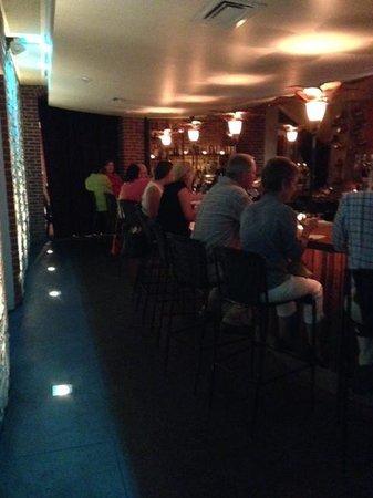Lancaster Arts Hotel: The cocktail lounge at John J. Jeffries.