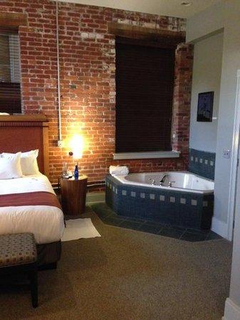 Lancaster Arts Hotel : Room 219.