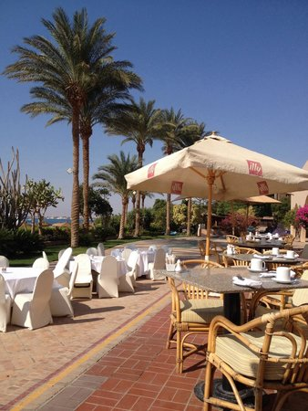 Hurghada Marriott Beach Resort : Terace Breakfast/Dinner