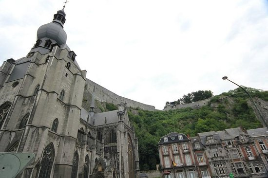 Church of Our Lady (Collegiale Notre-Dame) : The church and the citadel