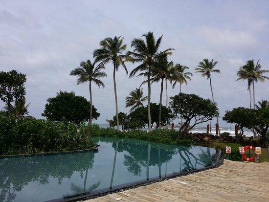 Hikka Tranz by Cinnamon: Hotel pool