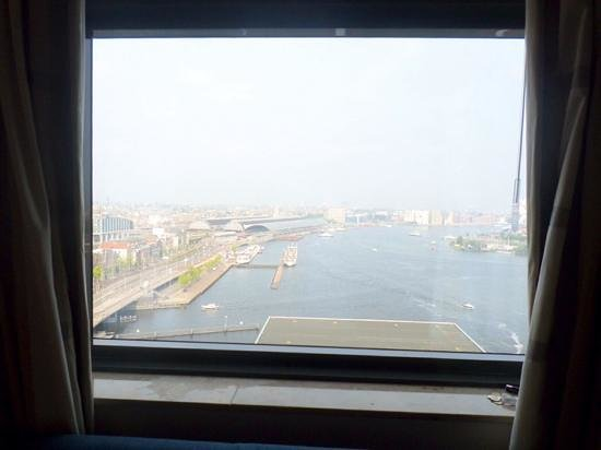 Movenpick Hotel Amsterdam City Center: View from room (18th Floor!)