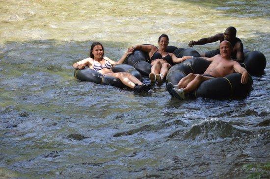 White River: Sur les bouées