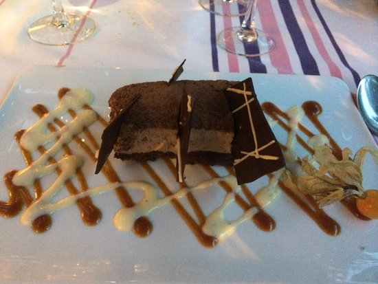 Hôtel-Restaurant Arraya : Trio of chocolates