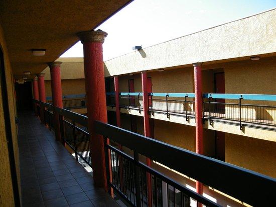 BEST WESTERN PLUS Dragon Gate Inn : courtyard