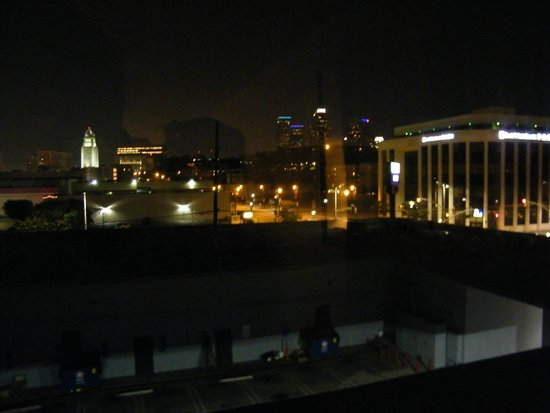 BEST WESTERN PLUS Dragon Gate Inn: view from room at night