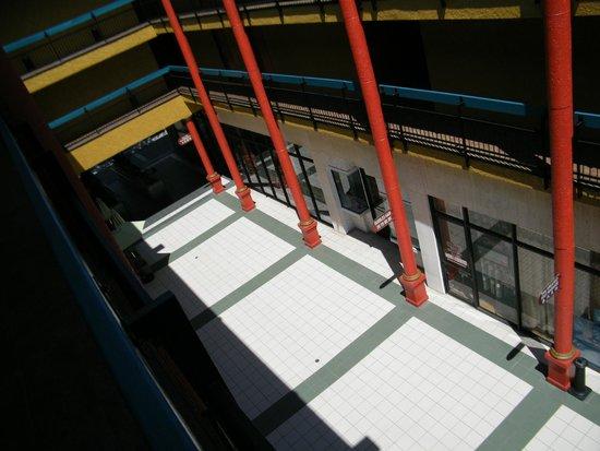 Best Western Plus Dragon Gate Inn: courtyard