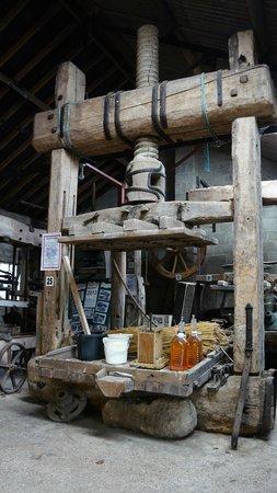 Mill House Cider Museum: Cider press