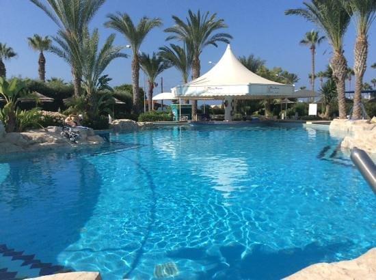 Tasia Maris Beach Hotel: pool area