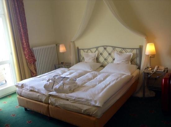 Hotel Villa Hügel: chambre Hambourg