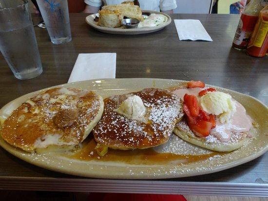 Snooze: pancake sampler