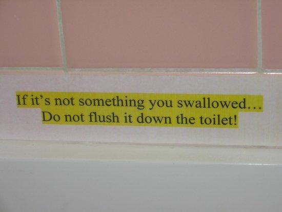 Hamilton Village Inn: Bathroom sign