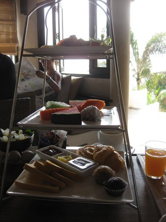 Aleenta Hua Hin Resort & Spa: Breakfast part 1