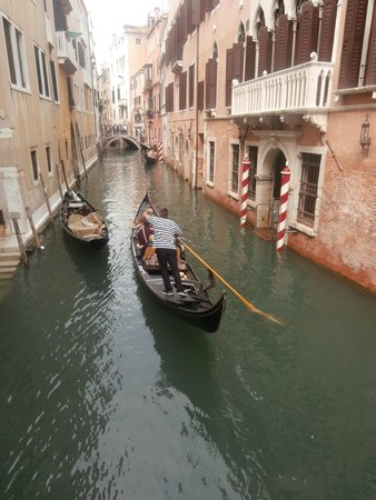 Grand Canal: Stile