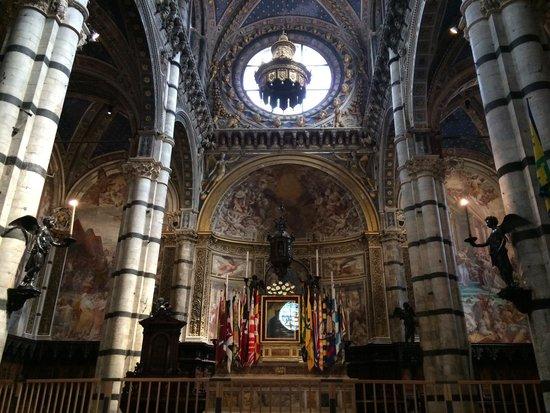 Cathédrale Notre-Dame-de-l'Assomption de Sienne : Altare