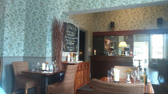 The Thomas Paine Hotel: Bar area