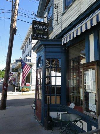 Noah's Restaurant : Noah's Stonington Ct
