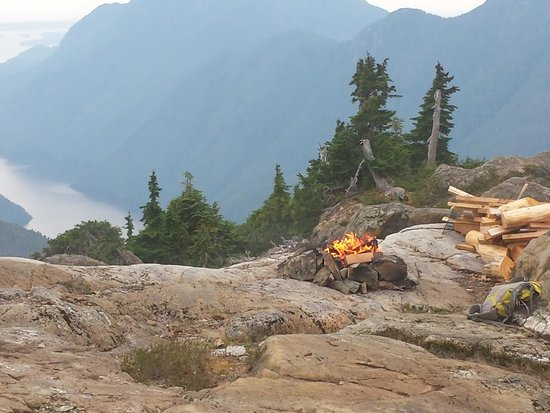 Clayoquot Wilderness Resort: Our fire on the Peak Experience