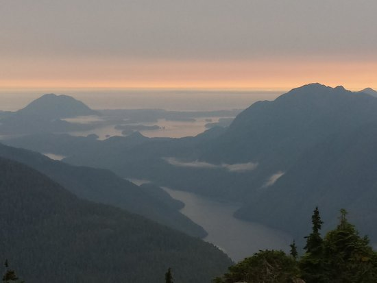 Clayoquot Wilderness Resort : The Peak Sunset