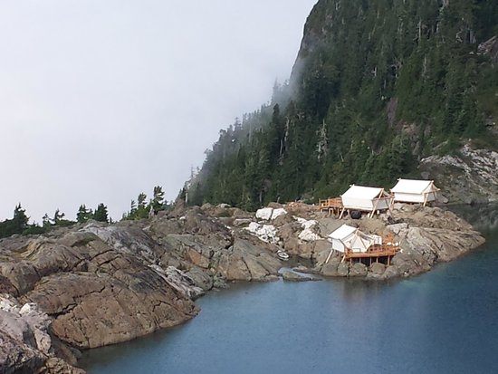 Clayoquot Wilderness Resort: A view to the Peak Camp from our hike