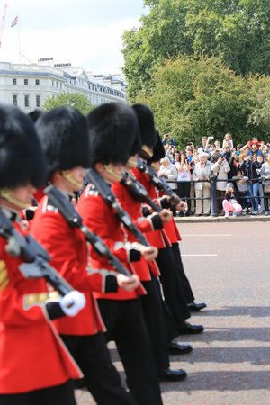 Fun London Tours: Marching with the guards