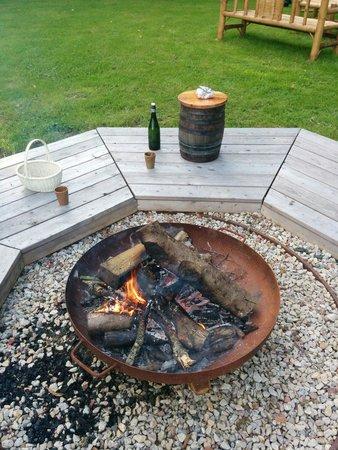Le feu dans le jardin photo de les tonneaux du perche saint germain de la coudre tripadvisor - Faire du feu dans son jardin ...