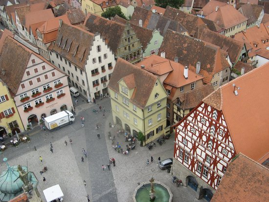 Hotel Gotisches Haus : Market Square from top of Rathaus